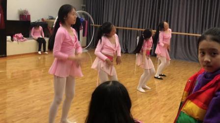 麦麦去姐姐舞蹈室