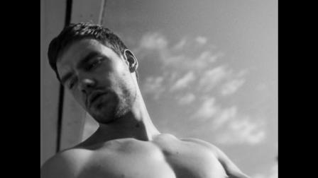 【猴姆独家】太火辣了!莉莉#Liam Payne#最新性感预告片!!!AWSL!