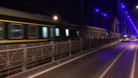 武局襄段HXD3C牵引客车K2286次快速通过襄阳汉江大桥去襄阳站方向