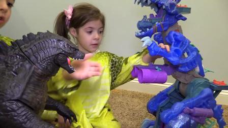动画片,巨型大小哥斯拉VS在巨人孵化蛋惊喜儿童玩具+超霸王龙恐龙