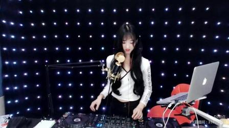 靓妹全新热爱音乐DJ2019现场美女打碟串烧Dj-点点(106)