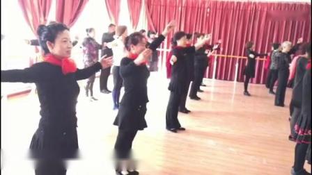 新民市舞协舞蹈培训班教材(1)舞协承办首届培训班开班!参加学员来自市优秀舞队精英
