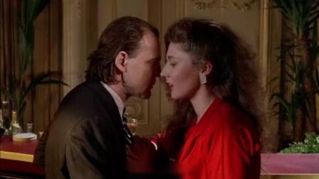 天使和魔鬼相爱,深情对视之后甜蜜热吻不休
