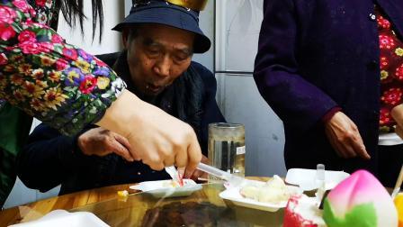 20191110覃道明90大寿吃生日蛋糕