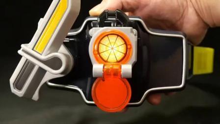 K2介紹〔亞洲版〕假面騎士鎧武【變身腰帶 戰極驅動裝置】內附柳橙與鳳梨定鎖種子和DX版對比