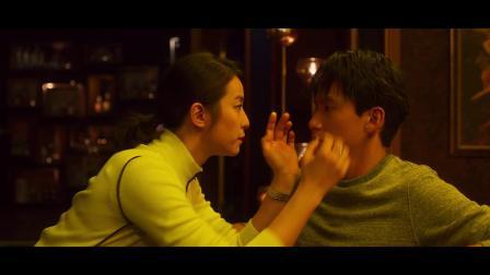 孙盛希《Let Me Fall》电影『圣人大盗 』片尾曲