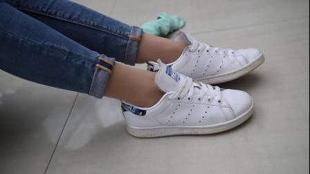 肉色丝袜 小白鞋 牛仔裤 棉袜 模拍 图书馆