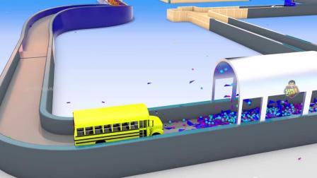 街道车辆在彩球上绕着木制轨道比赛。学习儿童停车场车辆的颜色