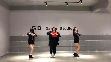 真的是我最喜欢的舞之一了 太喜欢智妍了!