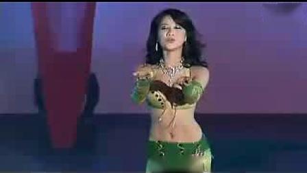 此美女热舞 秒杀的可没有年龄段的限制(1)