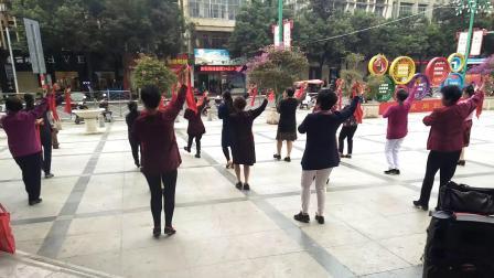 鲤中步行街夕阳红健身队回记竹版舞《蝶恋花》