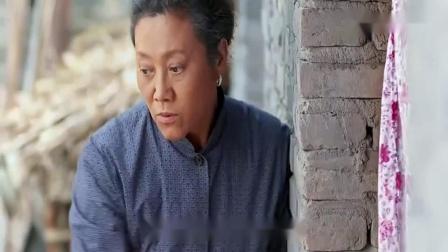 俺娘田小草:恶毒女逼侄子洗衣服,把他拉进房间骂,婆婆却不知情