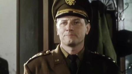 美方决定撤销麦克阿瑟指挥权,这让他很不服气