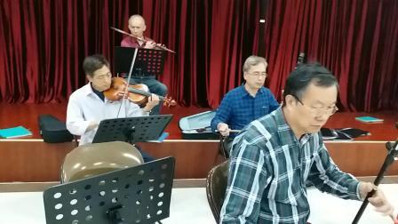 广东音乐《花香衬马蹄》北京街乐队活动现场,摄影英子