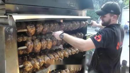 意大利美食节上的德国摊位:巨型烤肉和一排排大猪蹄子,还有整只香酥烤猪和各种烤肠....这样大口吃肉也太爽了![馋嘴](YTB:settime...