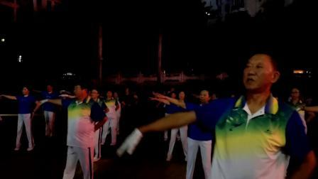 中国新时代有氧健身操总教练胡艳杰老师在海南五指山精彩演绎