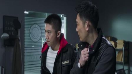 """法医秦明:林涛观看酒店监控,竟发现电梯内出现了""""鬼"""""""