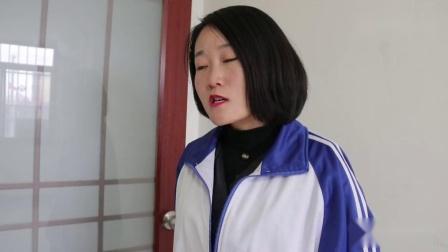 短剧学生偷吃老师火鸡面,谁知老师拿出PH试纸一测便知,真有才