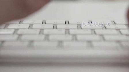 配乐视频 公司晚会 s896 企业公司商务男士电脑上网敲击键盘工作实拍视频素材 春节晚会 舞台背景视频