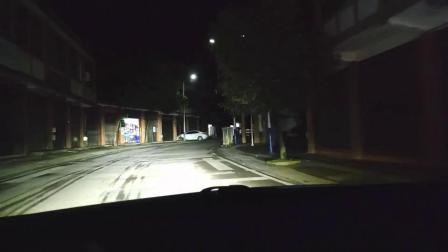 成都汽车大灯改装LED透镜后高速公路 下雨天 山路远近光效果