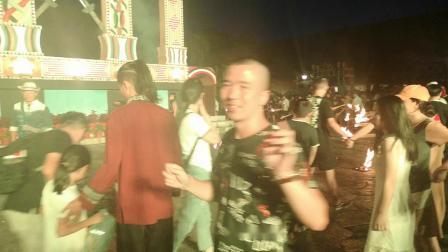 DONYONE唐肽生物董事长唐友能先生带领公司员工参加云南少数民族传统火把节活动