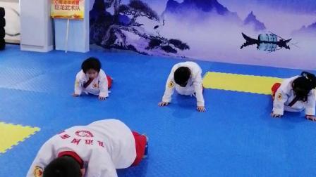 大妹学习武术  20191117上午