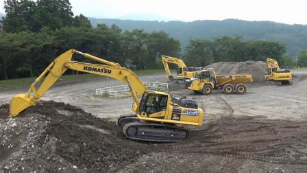 小松混合动力挖掘机HB365