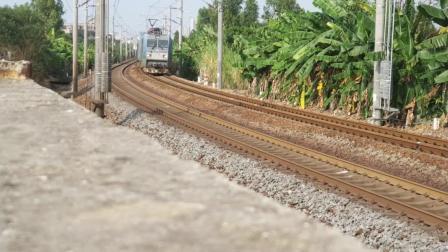黎湛线HXD1C0551牵引货列通过