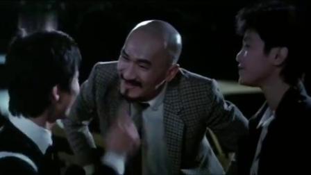 拍档2:光头佬跟老婆去打听消息,却发现自己的丑事,老婆生气了