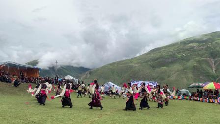 边坝县热玉乡一年一度艺术节