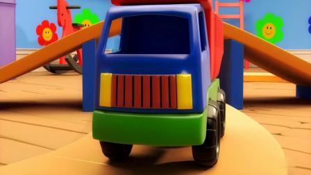 小火车和工程车的轨道玩具