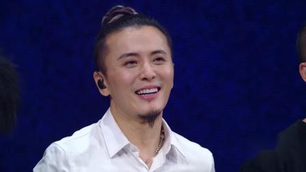 《乐队的夏天》张亚东带头起立致敬罗琦 老狼看乐队现场感动落泪