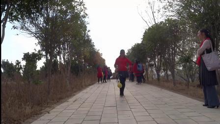 武汉江滩开心舞场:黄陂两日游视频