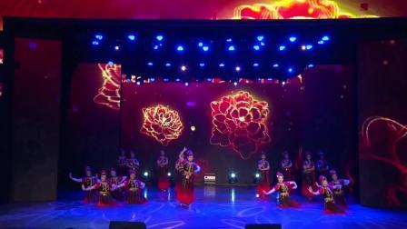 群舞:《花儿为什么这样红》表演:杭州老年干部大学艺术团舞蹈队
