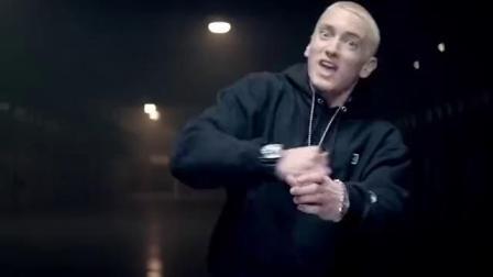 46岁超音速rapper阿姆,26秒唱出184个单词,直接突破人类极限