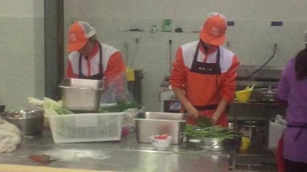 彭州市蜀食一家五馅包回龙西路店煮肉视频