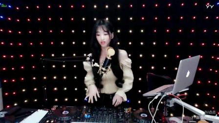 靓妹全新热爱音乐DJ2019现场美女打碟串烧Dj-点点(117)