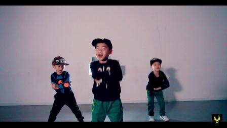 【欲非舞蹈】 少儿小开导师MV最新-Drake x Baauer x RL
