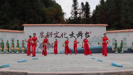 鹤城分校第二期课外活动,模特班表演《蝶恋花》