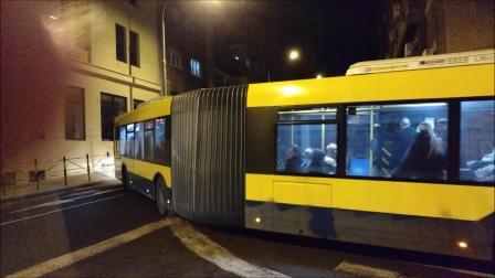 贝尔格莱德的Solaris Urbino 18发卡弯扭腰