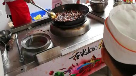 3(红油,怪味鸡块,麻辣肚丝,凉拌木瓜丝)