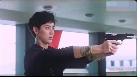 皇家女将:皇家女警太拼了,为将恐怖分子绳之以法,简直不要命了