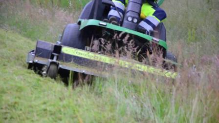 凯驰MIC34多功能扫地车配套甩刀割草机,割草效果怎么样?