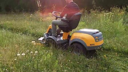 老外家园草坪用STIGA乘坐式四驱割草机