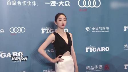 蒋梦婕费加罗风尚盛典红毯 黑白配长裙秀完美身材