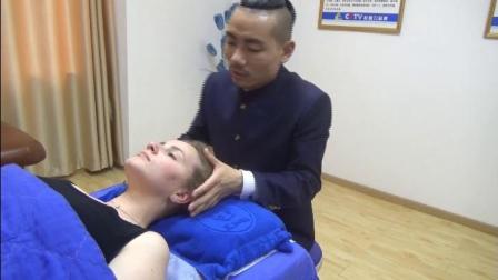 王红锦徒手整形产后修复培训给国外友人调理身体