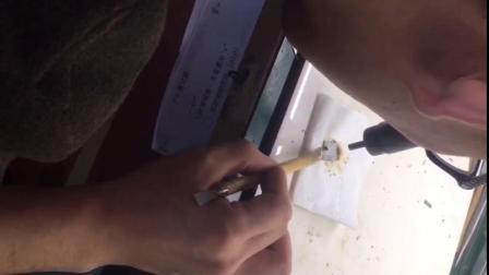 爱疯手机维修培训学校 学员CPU除胶 手机维修培训班
