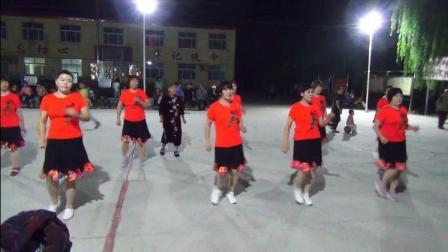 杜权村舞蹈队:幸福爱河 杜铁林摄录