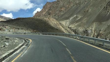 中巴边境克什米尔盘山公路