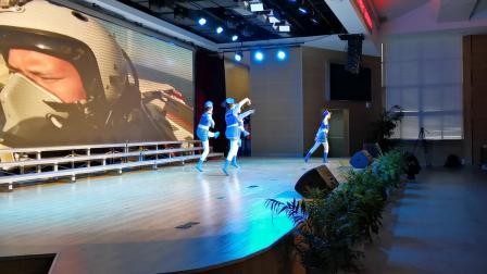 舞蹈《蓝色水兵》——泰州海军小学